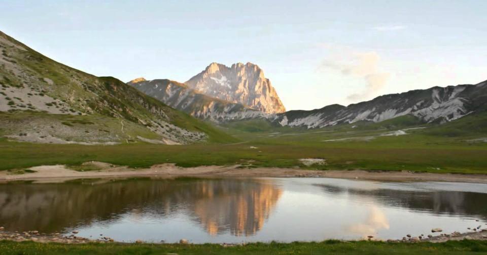 Lago pietranzoni viaggiando italia luoghi da visitare eventi idee di viaggio roma - Ristorante lago lo specchio ...