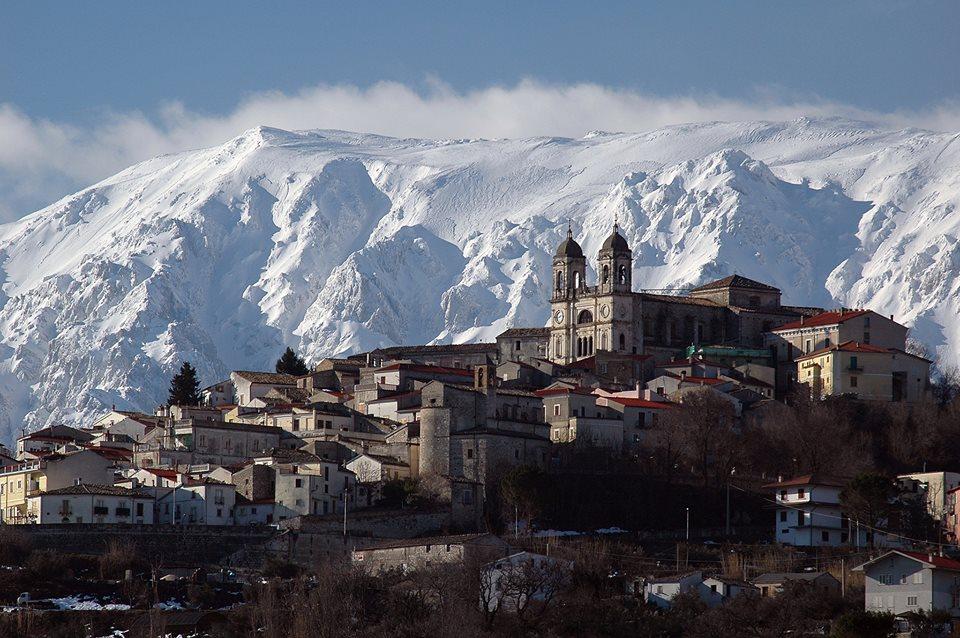 Hai gi visitato il borgo di san valentino in abruzzo for San valentino in italia