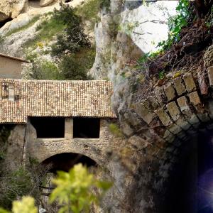 Escursioni in Abruzzo. Dall'antico acquedotto Romano all'Eremo di San Venanzio