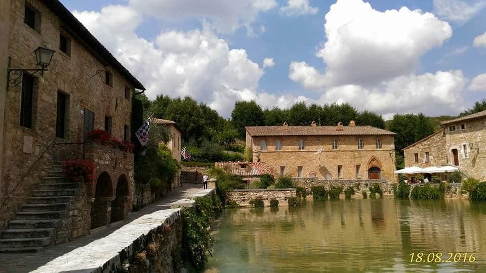 Toscana. conosci la vasca termale a bagno vignoni?