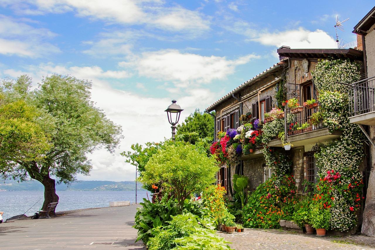 Lazio. Anguillara Sabazia, il piccolo borgo medievale sul Lago di Bracciano