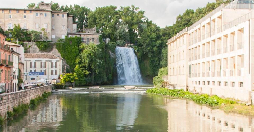 Cosa visitare vicino Roma_ Hai già visitato Isola Del Liri e la sua famosa Cascata Grande_ (guarda i
