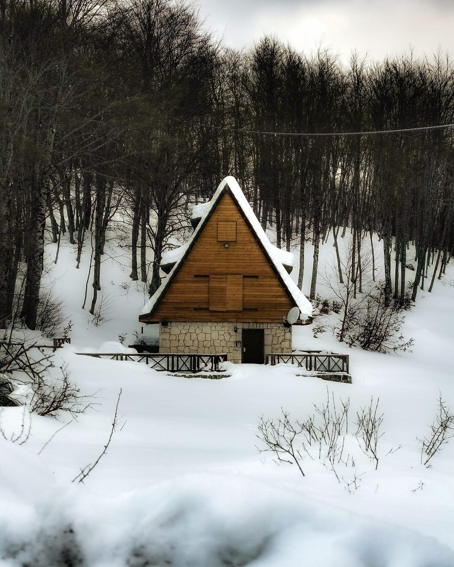 prati di tivo casa nel bosco