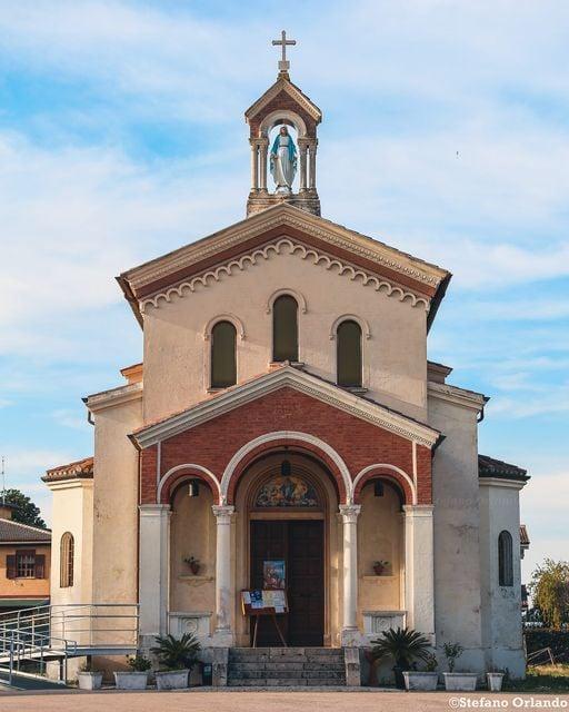 Santa Maria Assunta. Cisterna di Latina