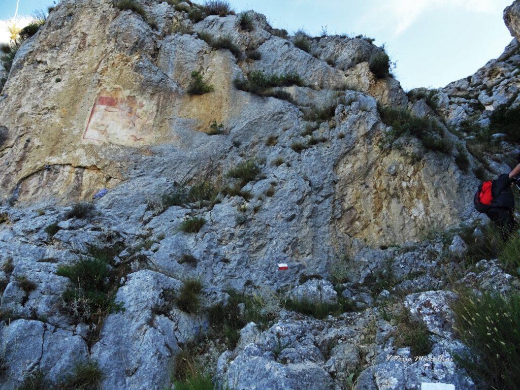 Curiosità. Sai dove si trova l'Affresco Rupestre di San Giorgio risalente al 1200 2