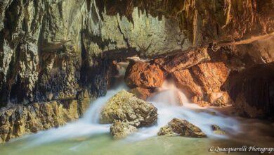 Le Grotte di Stiffe, sembra un paesaggio marziano ma è nel cuore dell'Abruzzo