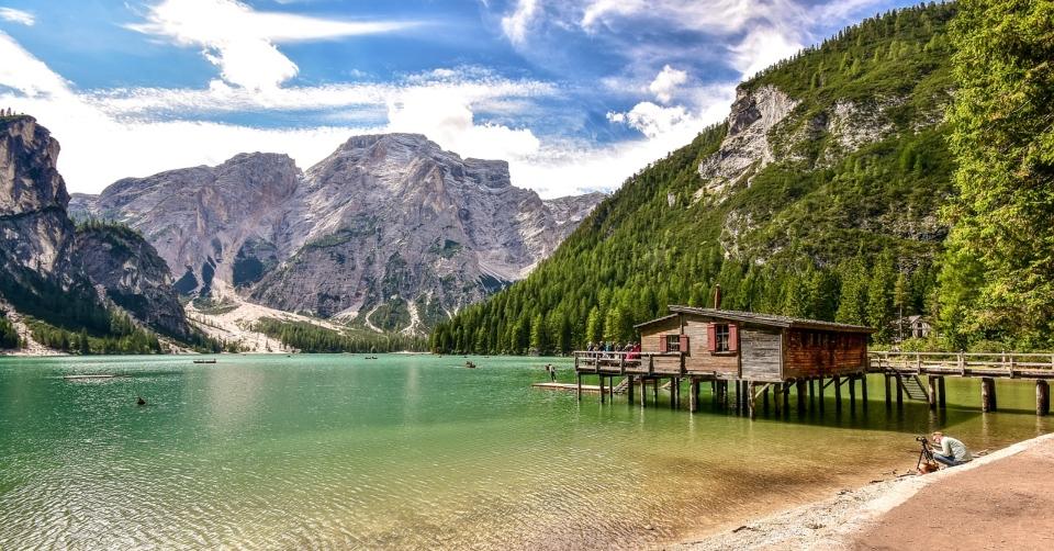 Dove si trova e come visitare il Lago di Braies_ Bicicletta, a Piedi, Auto, Bus navetta e consigli u