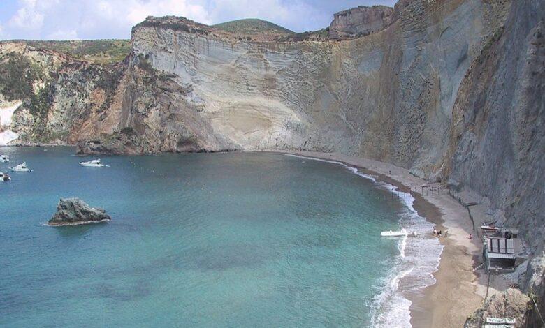 Isola di Ponza. Scopri tutte le Spiagge Libere dove puoi rilassarti