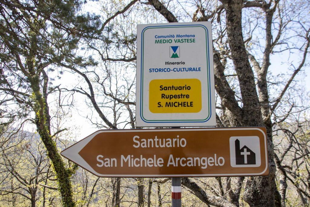 Sai come visitare la Grotta dell'Eremo di San Michele Arcangelo a Liscia (guarda il video e tutte le foto)