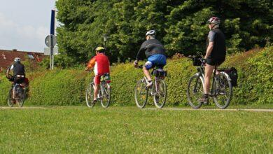 Seimila chilometri in bicicletta. Sai quali sono le 10 Ciclovie Turistiche e Paesaggistiche in Italia