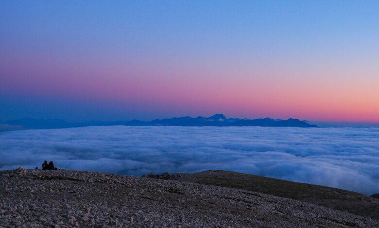 Sotto le stelle della Maiella notturna e alba sul Monte Amaro