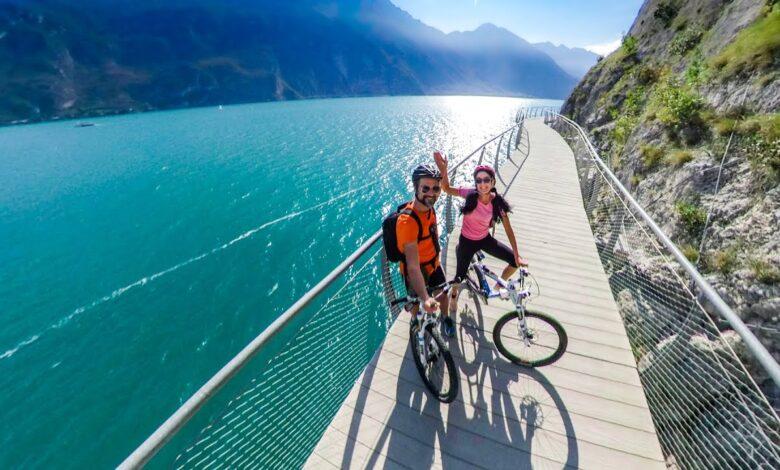 Sul Lago di Garda in Bici. La pista sospesa di Limone, partendo da Malcesine per tutto l'alto Lago