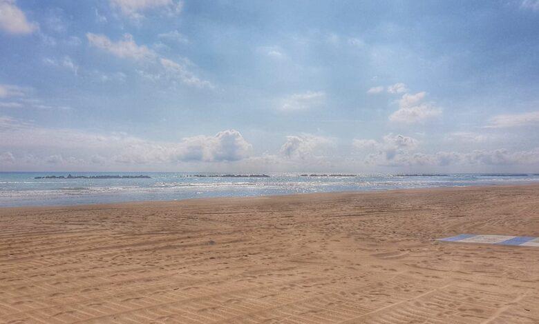 La Spiaggia dorata di Roseto Degli Abruzzi si risveglia a primavera