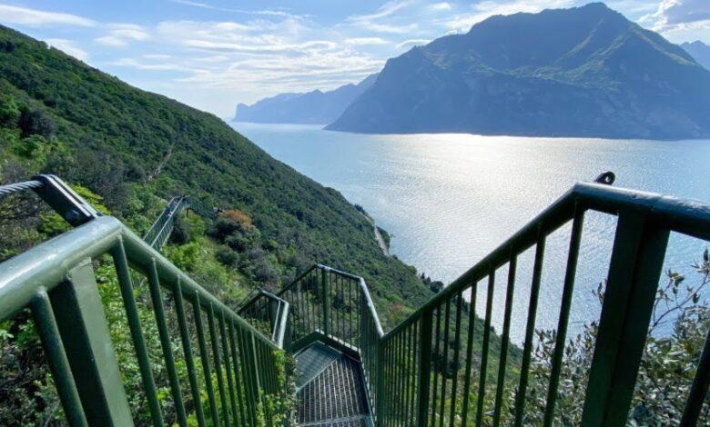 Come fare per percorrere il Sentiero panoramico sul Lago di Garda da Busatte a Tempesta?