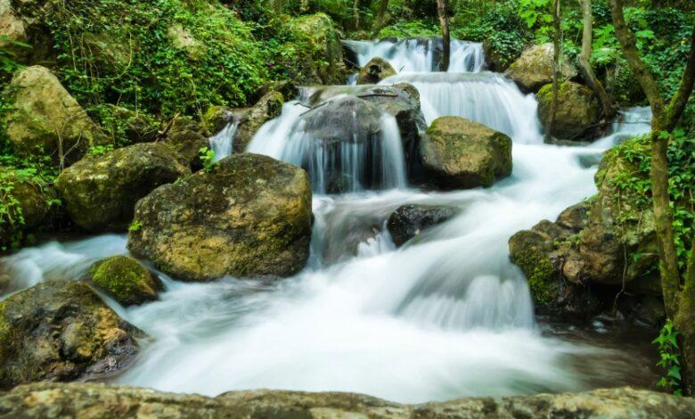 Gole del Sagittario. Le Cascate nella Riserva Naturale Regionale, luogo di incredibile bellezza