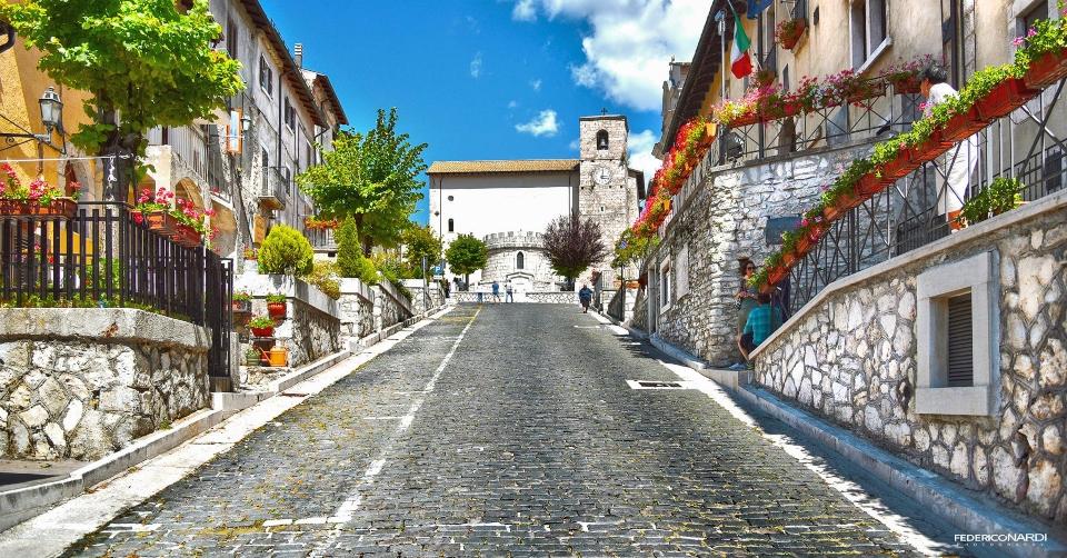 Hai già visitato Opi, Il borgo medievale arrampicato sul monte nel Parco Nazionale d'Abruzzo