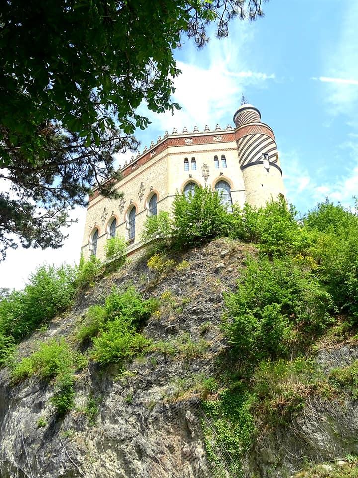 Hai già visitato il Castello Rocchetta Mattei di Grizzana Morandi Prezzi, orari e come arrivare (4)