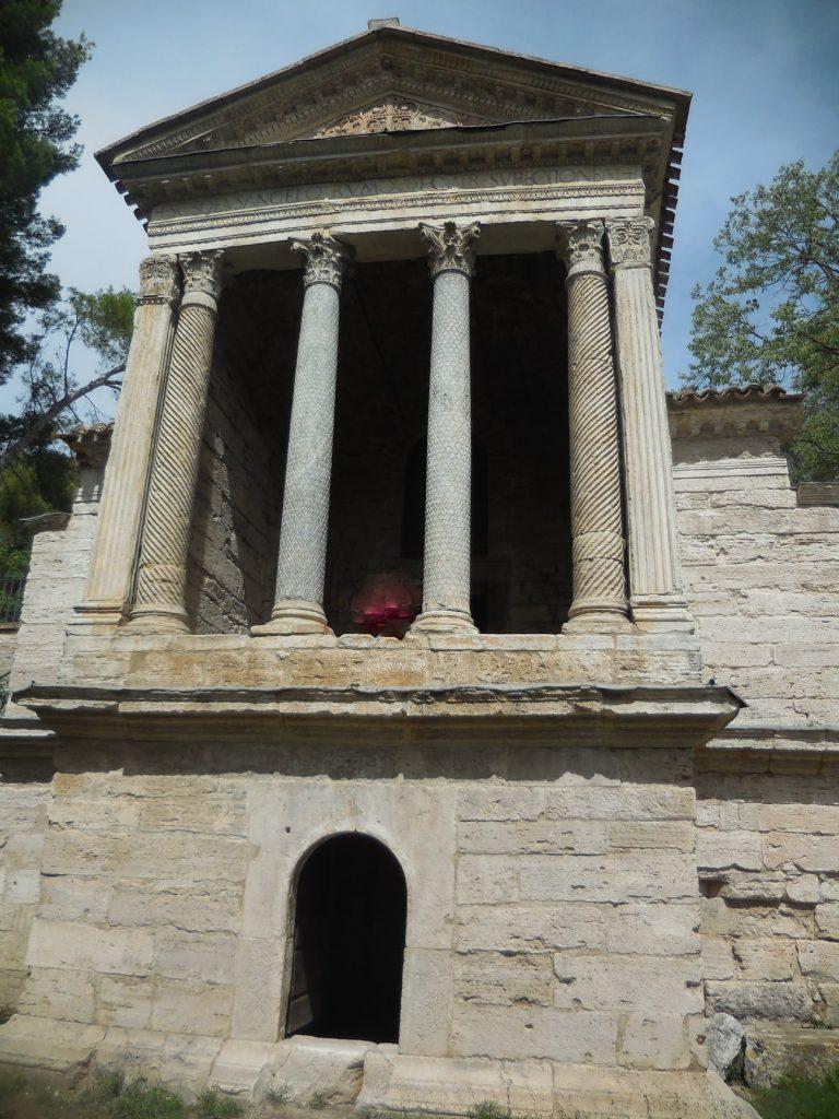 Umbria. Hai già visitato il Tempietto del Clitunno (vicino le Fonti) con affreschi del VII secolo
