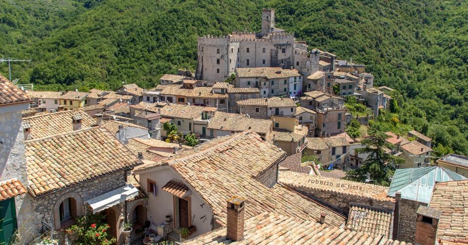 Hai già ammirato il borgo di Cineto Romano da questo punto panoramico? Ecco le coordinate GPS
