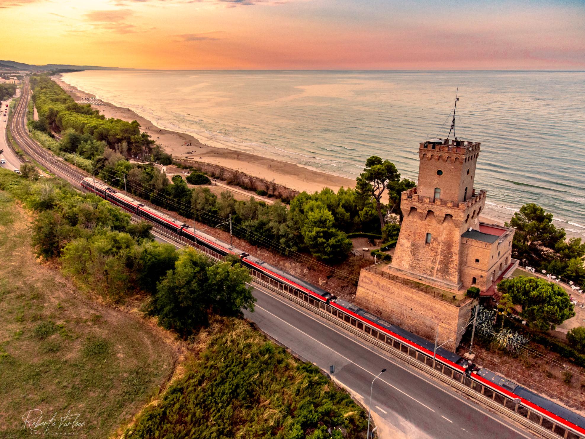 Viaggiando in treno in Abruzzo è sempre un'emozione. Frecciarossa Pescara-Milano