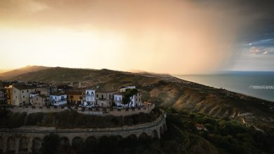 Abruzzo. Verso il tramonto, Temporale in arrivo dal mare sul magico Borgo di Silvi