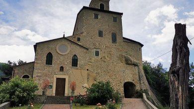 Hai già visitato Rocca Pitigliana, Borgo antico e Chiesa a cui si accede attraverso la roccia?
