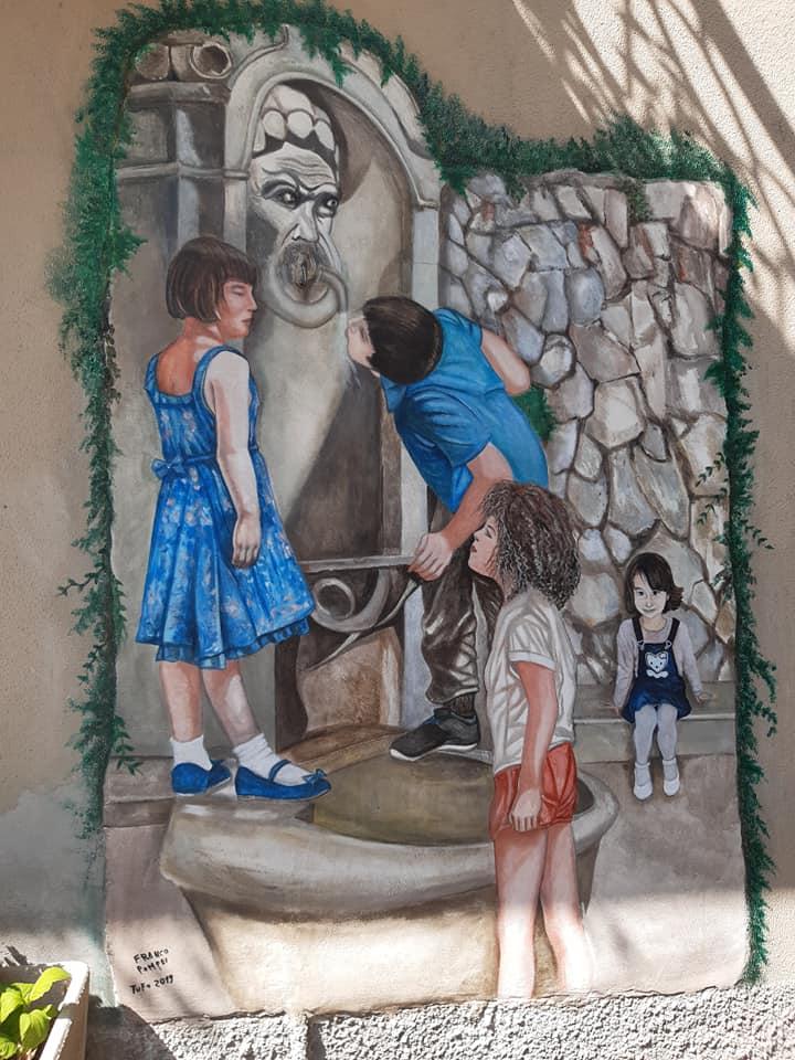 Abruzzo. Hai già visitato il piccolo Borgo di Tufo coi Murales e circondato dai monti Carseolani_