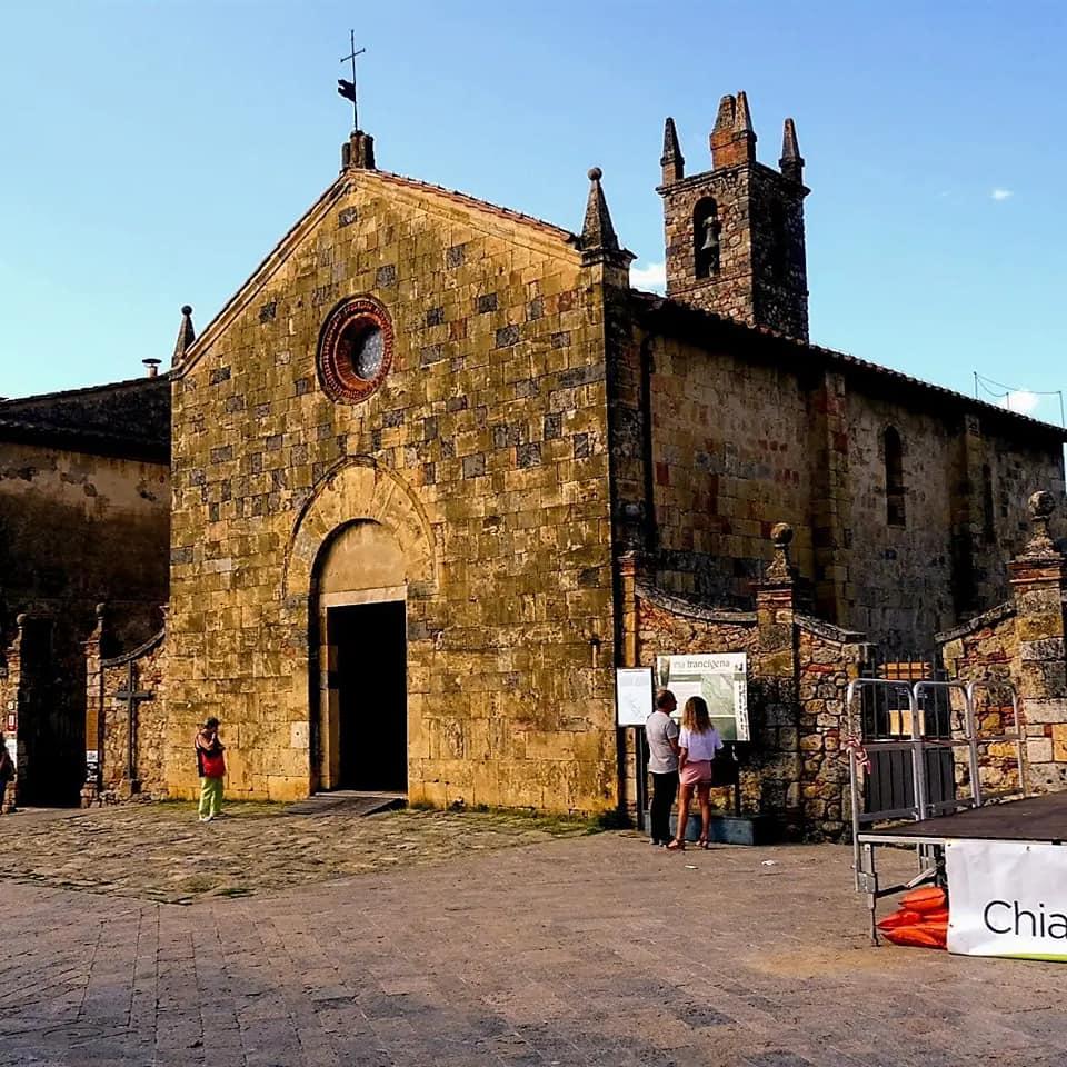 I Turisti raccontano. Relax alle Terme di Petriolo e una passeggiata sulle mura antiche di Monterigg