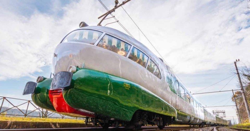 Il ritorno del Mito: Arlecchino. Viaggio a bordo del leggendario ETR 252 da Bologna a Firenze e Roma
